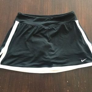 Nike black white dri-fit athletic skirt small